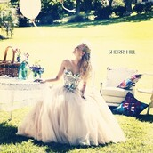 dress,beyonce,bella thorne,bey,queen b,beyonce concert