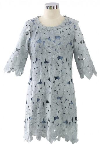 Whole floral crochet shift dress in blue