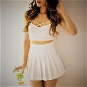 skirt,white skirt,pleated skirt,cute outfits,white bralette,white outfit,summer,spring,top
