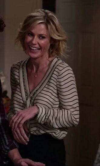 shirt claire dunphy modern family julie bowen stripes office outfits black skirt v neck