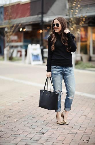 dress corilynn blogger sweater jeans shoes bag sunglasses jewels tote bag black sweater high heel pumps pumps