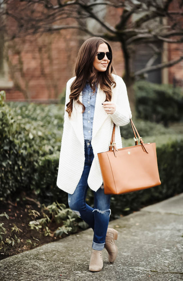 dress corilynn blogger sweater shirt jeans shoes bag sunglasses jewels cardigan tote bag blue shirt ankle boots winter outfits j crew boots nordstrom friday
