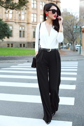 pants,white shirt,sunglasses,black trousers,black heels,blogger