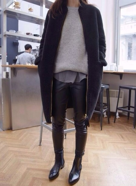 jacket sweater pants shoes blouse coat winter outfits winter outfits bootsb black outfit fashion minimalist simple fashion jumper grey sweater comfy cardigan warm fur skinny pants t-shirt dark blue swag oversized le fashion image blogger t-shirt leggings gold zipper navy coat