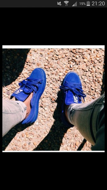 shoes puma blue bleu baskets blue pumas pumas suede tennis shoes sneakers suede sneakers