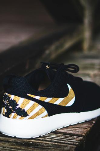 shoes roshe runs custom shoes custom nike nike shoes nike running shoes