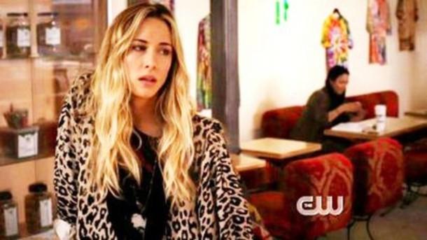 90210 gillian zinser leaopard leopard print leopard print jacket