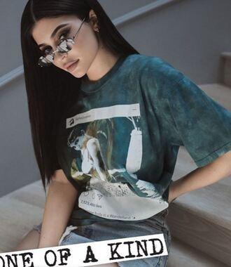 t-shirt kylie jenner kardashians instagram kendall + kylie label