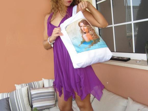 bag tote bag ilustration woman sea long hair