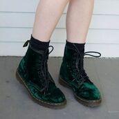 shoes,laces,green,boots,DrMartens,velvet,black,socks,lace up