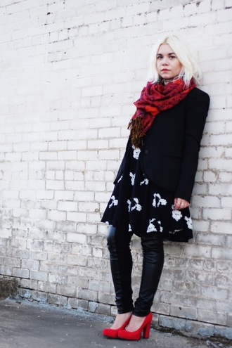 styles by hannah riles blogger scarf black and white dress blazer black jacket leather leggings