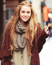 jacket,miley cyrus,cyrus,scarf,oversized,cardigan,oversized cardigan,back to school,burgundy,beige,hannah montana,sweater,fall sweater,jewerly,shirt,jewels,miley cyrus cardigan,burgendy,long cardigan,make-up