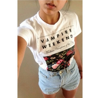 t-shirt graphic tee graphic shirt graphics cute stylish style trendy outfit idea fashion inspo tumblr pretty gorgeous pale pale grunge alternative tumblr outfit high waisted shorts acid wash light wash shorts blogger fashionista chill rad on point clothing