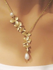 jewels,necklace,flowers,gold,pearl