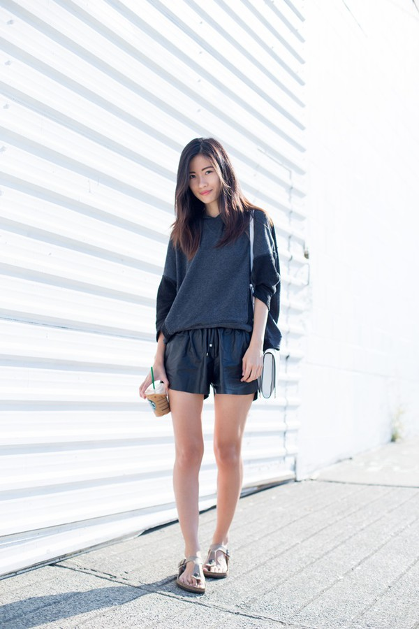 von vogue blogger bag leather shorts