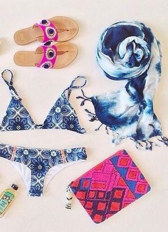 shoes blue pink swimwear floral aztec bag bikini blue bikini towel clutch sandals thongs flip-flops pink aztec clutch pattern bikini blue pattern bikini scarf tie dye scarf ombré blue summer outfits togs two-piece blue floral bikini
