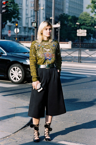 vanessa jackman blogger strappy flats kenzo culottes fall outfits