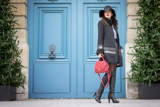 meet me in paree blogger winter coat red bag floppy hat bag