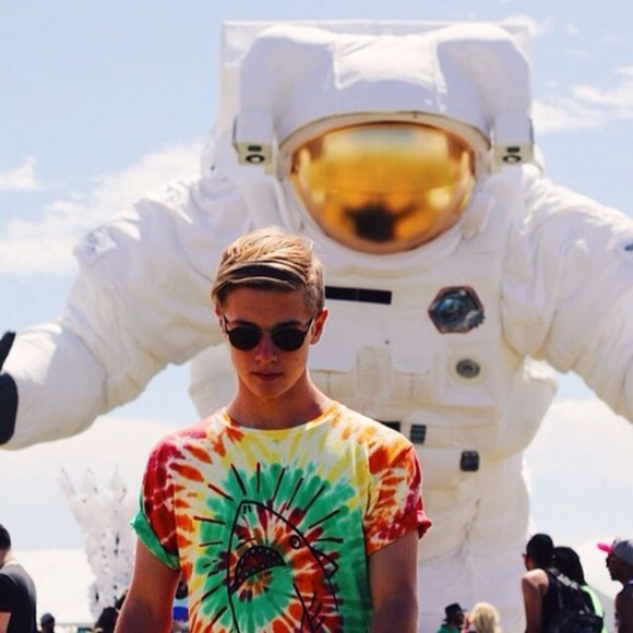 sunglasses black sunnies sunnies shirt instagram tie dye festival coachella music festival t-shirt astronaut artsy mens wear blonde hair shark