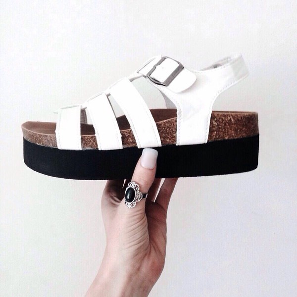 shoes jewels sandals white shorts grunge style summer