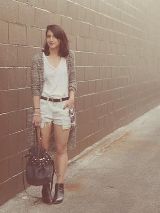lady a la mode blogger cardigan casual bucket bag denim shorts