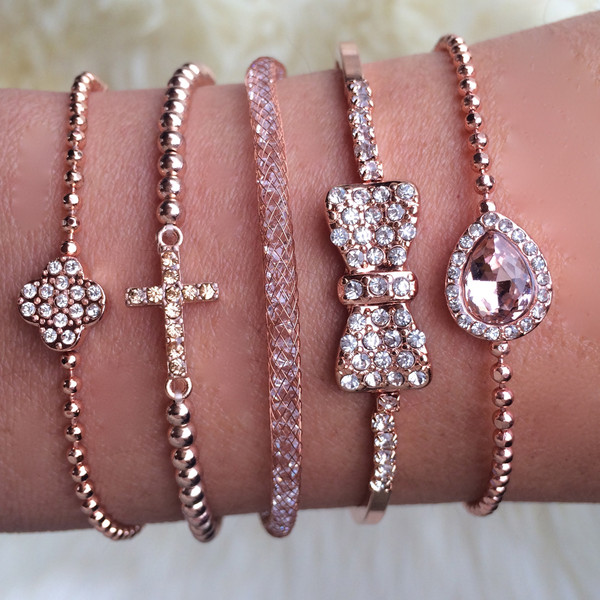 Dainty rose stack