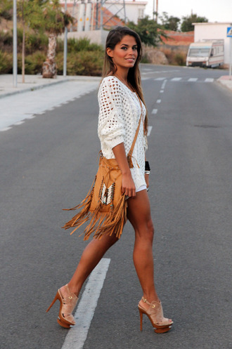 sweater t-shirt jewels bag shoes seams for a desire