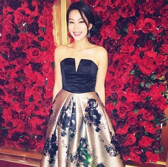 dress roses floral arden cho v neck actress strapless dress black dress floral dress