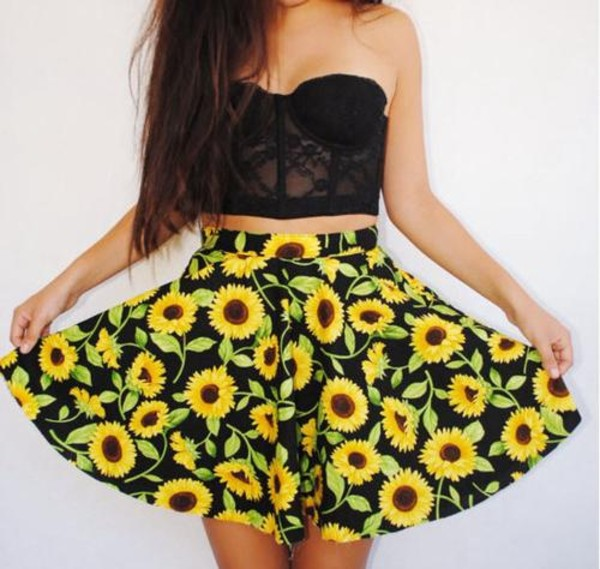 skirt sunflower cute flowy summer shirt corset lace bralette bralet top corset bra black black skirt floral high waisted skirt crop tops flowers black yellow flowers skaterskirt floral skirt black and yellow top sunflower lace bustier crop tops strapless outfit