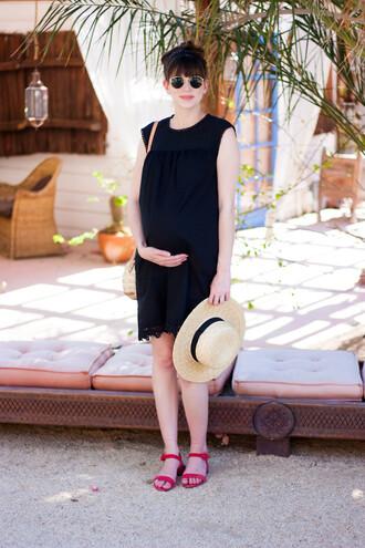 jeans and a teacup blogger dress bag shoes hat sunglasses maternity dress maternity shoulder bag sandals summer outfits
