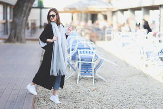 venka vision blogger long coat black coat white sneakers