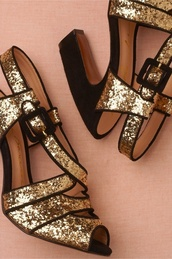 shoes,gold,glitter,black,heels,black and gold,high heels
