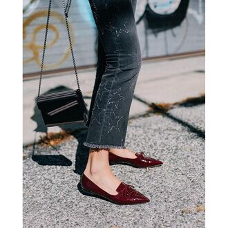 shoes tumblr givenchy bag givenchy black bag chain bag jeans black jeans frayed denim frayed jeans stars pointed flats flats pointed toe embellished denim burgundy shoes loafers