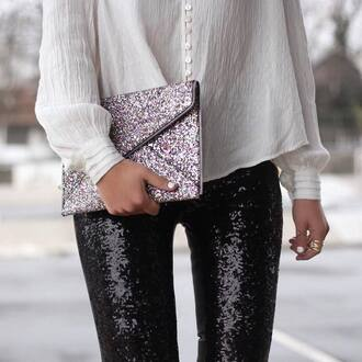 bag tumblr sequins sequin bag envelope clutch metallic clutch clutch shirt white shirt pants black pants sequin pants ring gold ring gold jewelry jewels jewelry