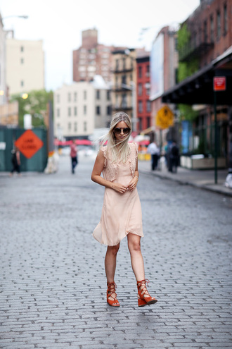 the fashion guitar blogger romantic summer dress light pink pink dress strappy sandals