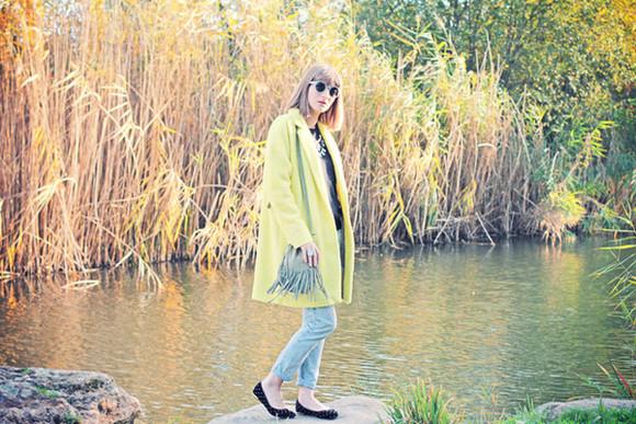 blogger jeans ballet flats sunglasses jewels summer crush yellow green round sunglasses
