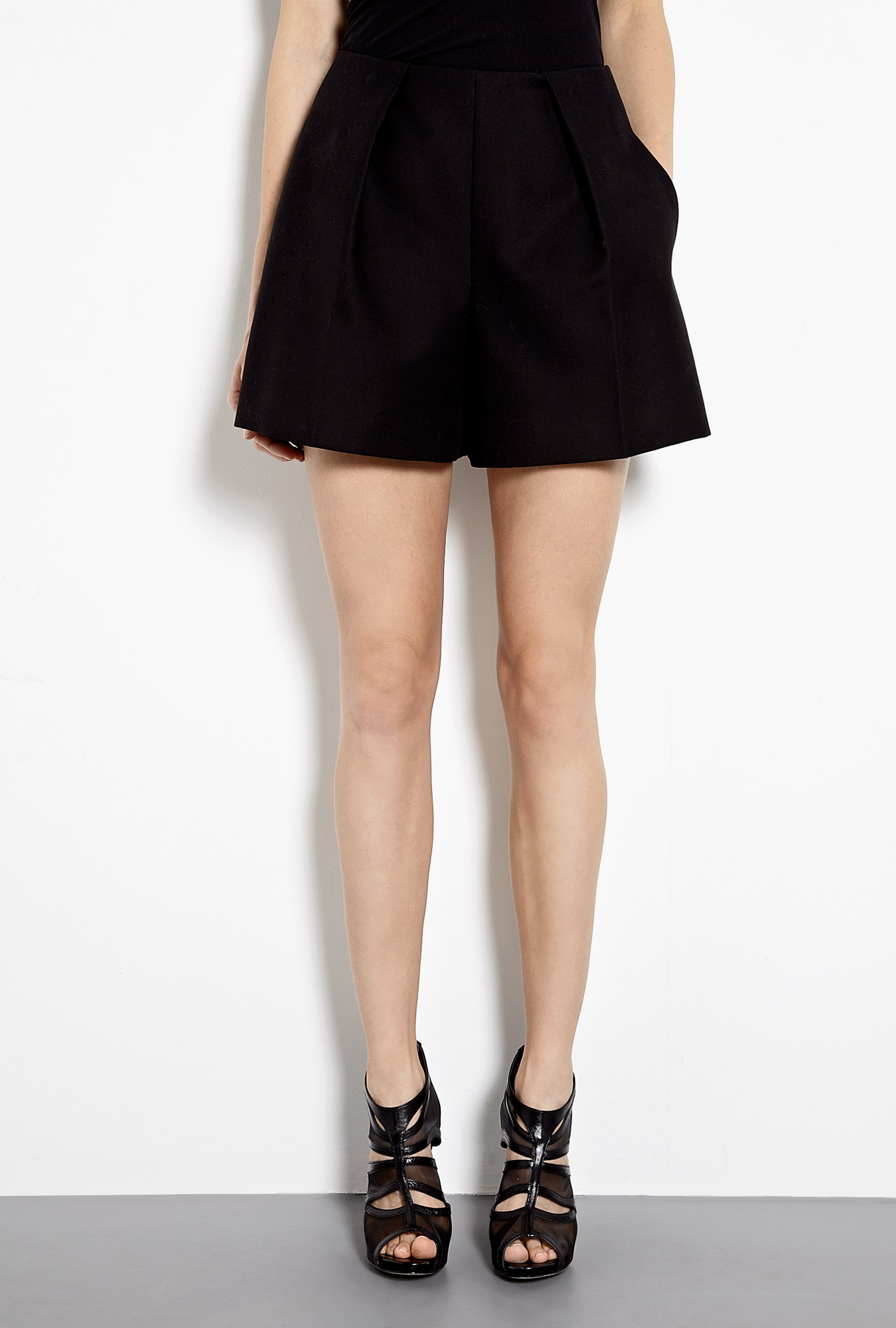 Black cotton twill high waisted shorts by carven