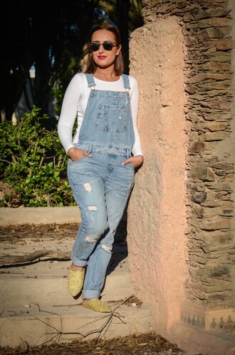 shoes babouches green babouches denim overalls overalls top white top long sleeves spring outfits sunglasses