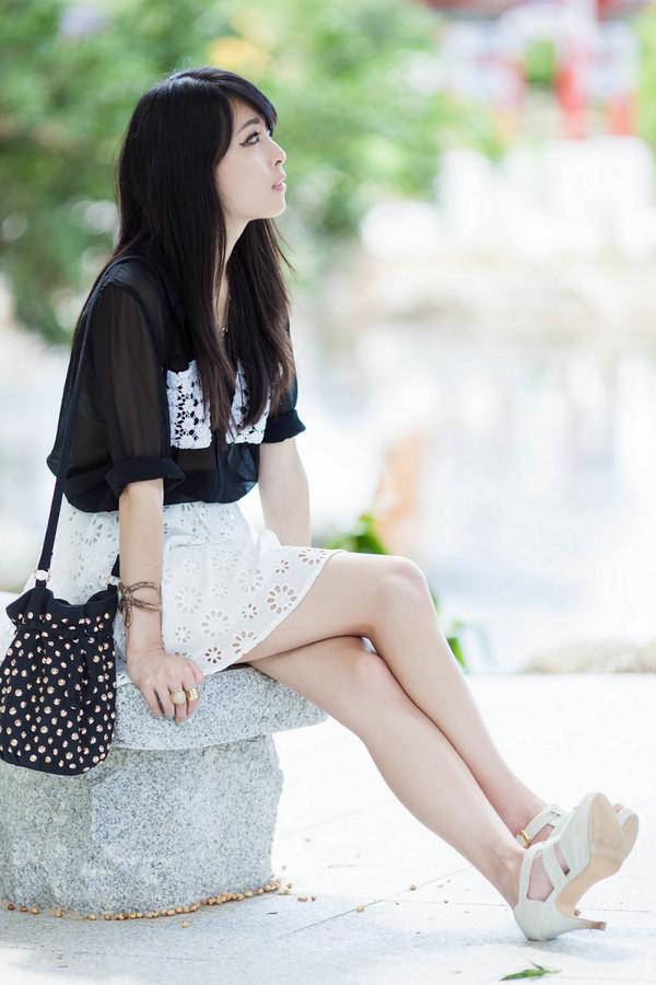 metallic paws blouse skirt shoes bag belt jewels eyelet skirt mini skirt white white skirt black shirt mesh bucket bag polka dots sandals sandal heels high heel sandals