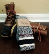 shoes,boots,sorel boots,brown,black,timberlands,chestnut,booties,lace up,ankle boots,combat boots,lovely,fa,socks,fuzzy socks,warm socks,wool socks,combat boot socks,fall outfits,fashion,style