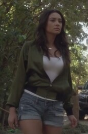 shorts,jeans,white,top,shay mitchell,emily fields,pretty little liars,jacket,army green jacket