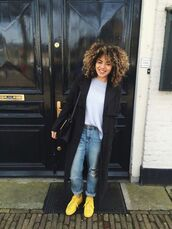 shoes,yellow sneaker,ripped jeans,grey t-shirt,black coat,black bag,boyfriend jeans,yellow sneakers,trench coat,denim,casual,sweater