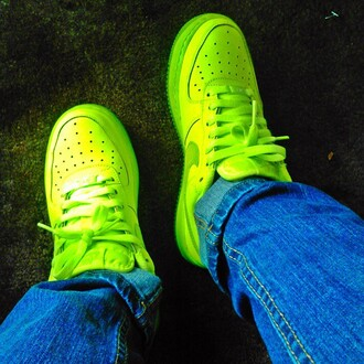 Neon Nike Air Force 1