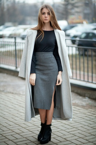 acid coke blogger slit skirt grey skirt grey coat coat top skirt shoes jewels classy office outfits