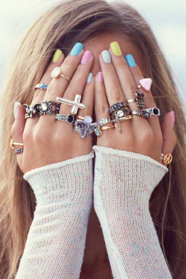 jewels girl casual cool tumblr like hands ring fashion beautiful nail polish lots cute girly