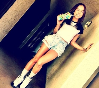 shorts karrueche baddies girlfriend smiles shoes shirt sexy denim shorts high top sneakers baseball tee black and white