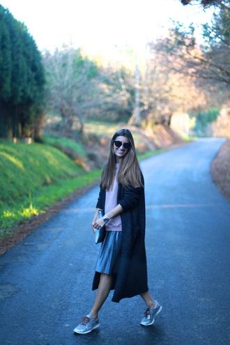 b a r t a b a c blogger cardigan sweater skirt shoes jewels bag sunglasses