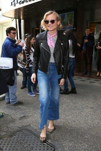 le fashion image blogger scarf jacket t-shirt jeans