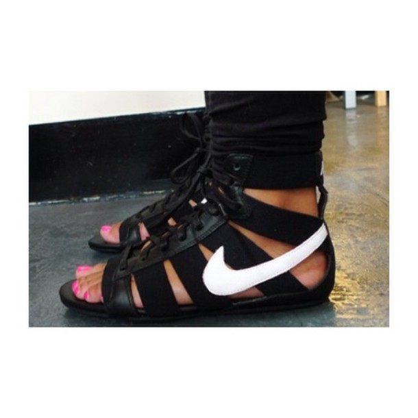 shoes nike gladiators gladiators black sandals black black nikes summer shoes sandals black gladiators nike gladiators nike spartiate nike sneakers nike shoes