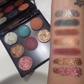 make-up,mac cosmetics,sephora,nyx,makeup brushes,makeup palette,eye shadow,eyeshadow palette,glitter makeup,glitter eyeshadow,glitter,fashion,eyeliner